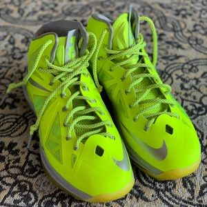 Nike LeBron10 b'ball shoes sz men's 10 new w/o bx